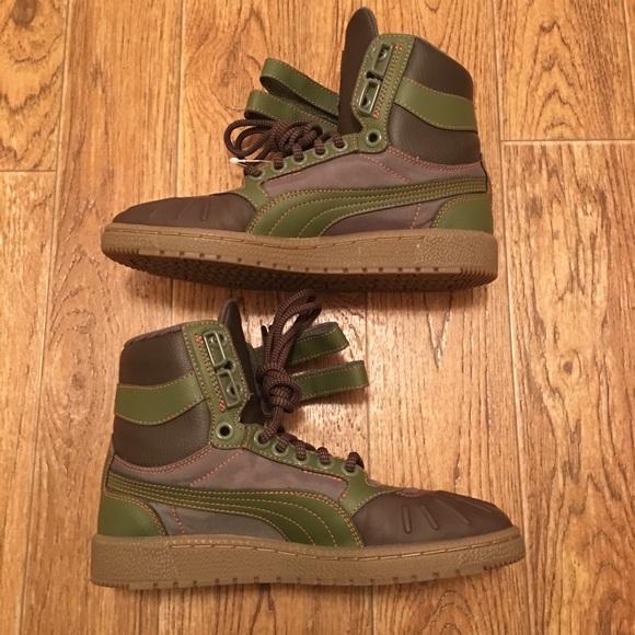 434d532a921 ... Sky II Hi Duck Men s Sneakers Size 6. Puma. M 5aa75b0d31a37606f2062722.  M 5aa75b0f9d20f0c4e19c7f01. M 5aa75b11739d48577417cb53
